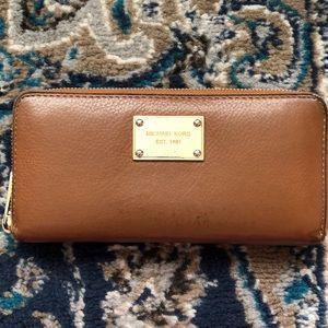 MK envelope wallet